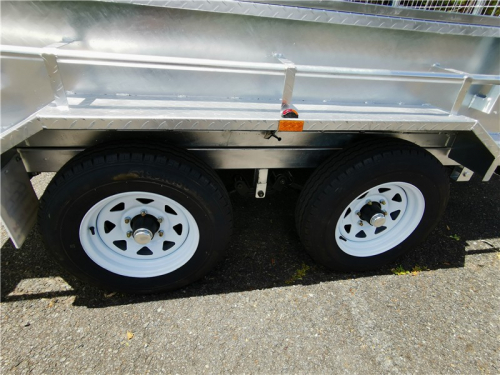 Hydraulic Tipper Trailer Detail