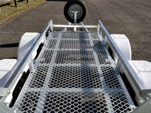 Scissor Lift Trailers Detail